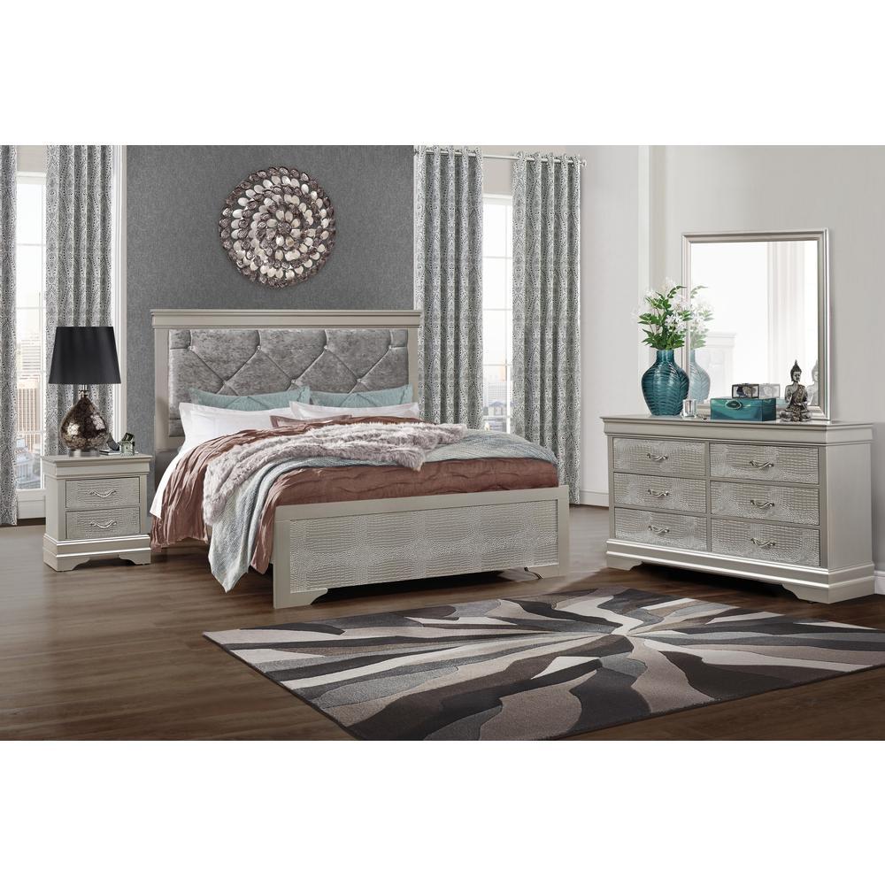 Verona-Silver-Dr, Dresser Silver. Picture 3