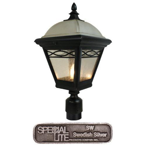 Brentwood   Medium Post Mount Light. Picture 1